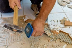 Read more about the article How To Remove Bathroom Tiles (7 Steps)