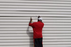 How to Repair Cracked Vinyl Siding?
