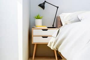 How to Paint a Bedside Table