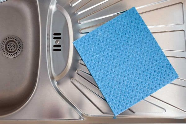 Read more about the article How To Store Wet Dishcloths [8 Practical Solutions]