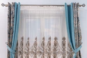 How To Hang Eyelet Curtains