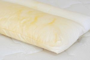 Read more about the article How To Get Yellow Stains Out Of Pillows