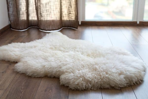How To Clean A Faux Fur Rug [5 Steps]