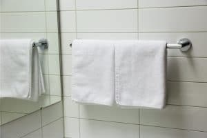 Read more about the article 15 Awesome Bathroom Towel Rack Ideas