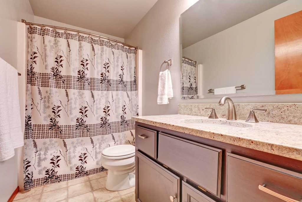 Warm tones bathroom interior
