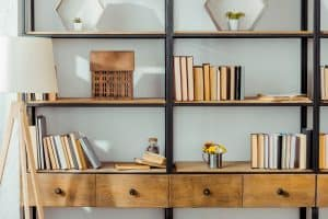 Read more about the article How To Style A Bookcase