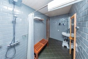 Should You Oil Or Stain A Teak Shower Bench?