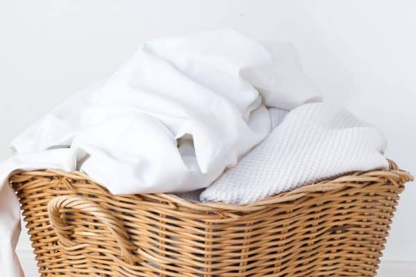 How To Wash White Bedding (With And Without Bleach)