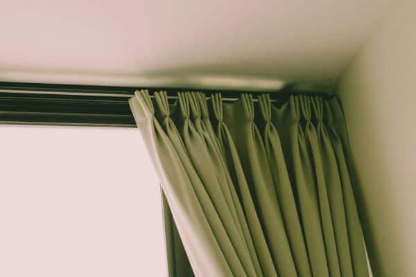 How To Hang Curtains From The Ceiling Without Drilling [6 Steps]