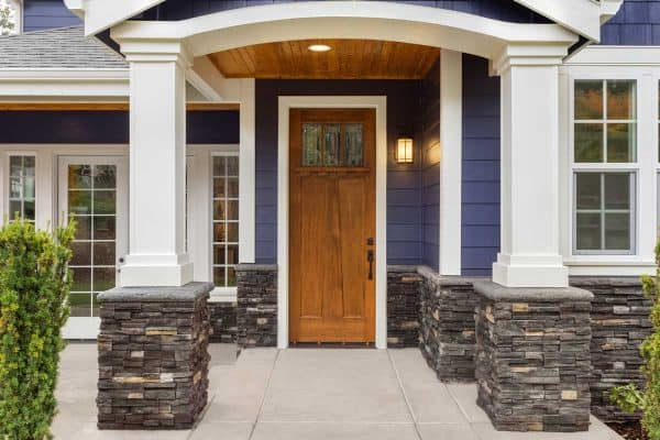 Read more about the article 11 Timeless Porch Column Ideas