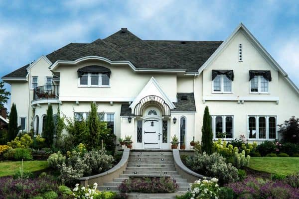 Read more about the article 15 Stunning Stucco House Ideas