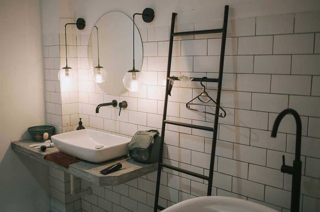 Bathroom with sink, decoration and mirror