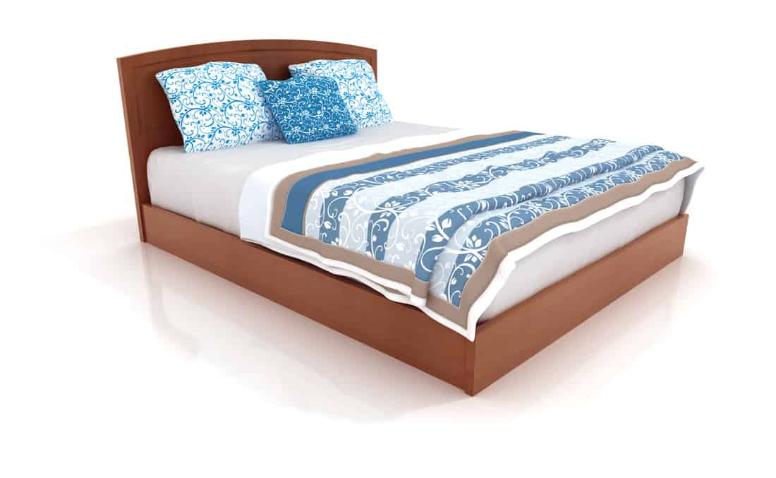 Blue In Solids Or Patterns Paired With Oak bed