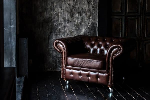 What Goes With A Chesterfield Sofa?