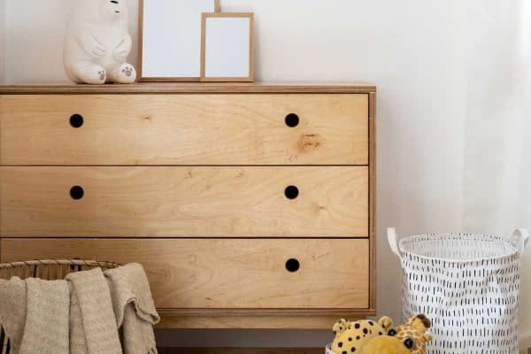 Read more about the article How Big Is A Typical Dresser?