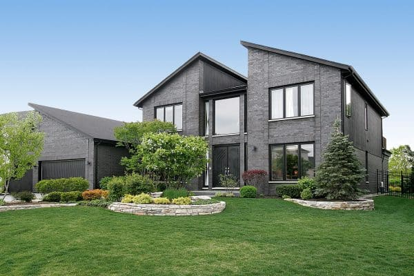 17 Eye-Catching Grey House Ideas