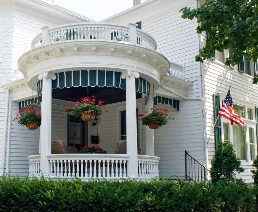 Round porch with flowers