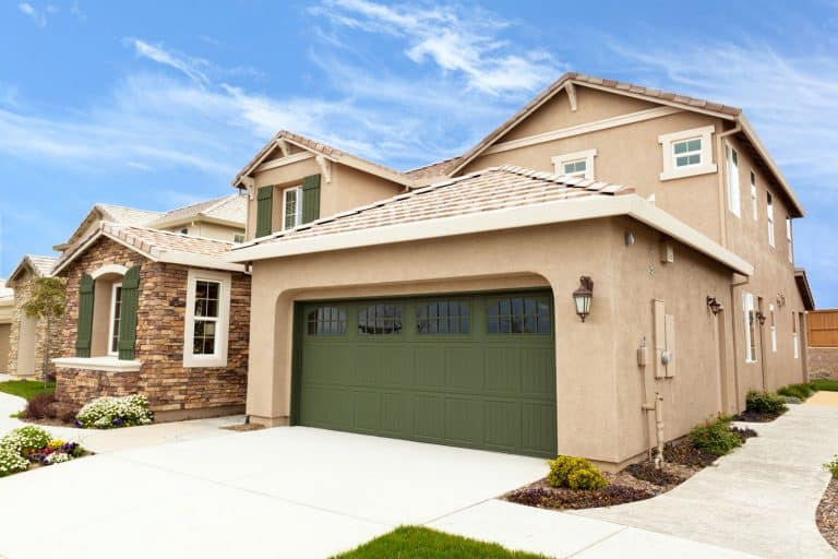 View at the modern upscale California suburb home with garage, Should The Garage Door Be The Same Color As The House?
