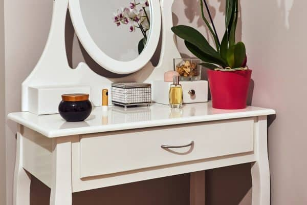 How To Arrange And Style A Dressing Table [3 Great Ways]