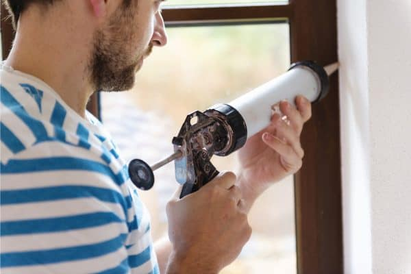 How Long Does It Take Caulk To Dry Before Painting?