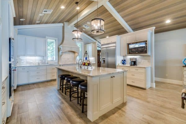Read more about the article 10 Best Sloped Ceiling Recessed Lighting Fixtures
