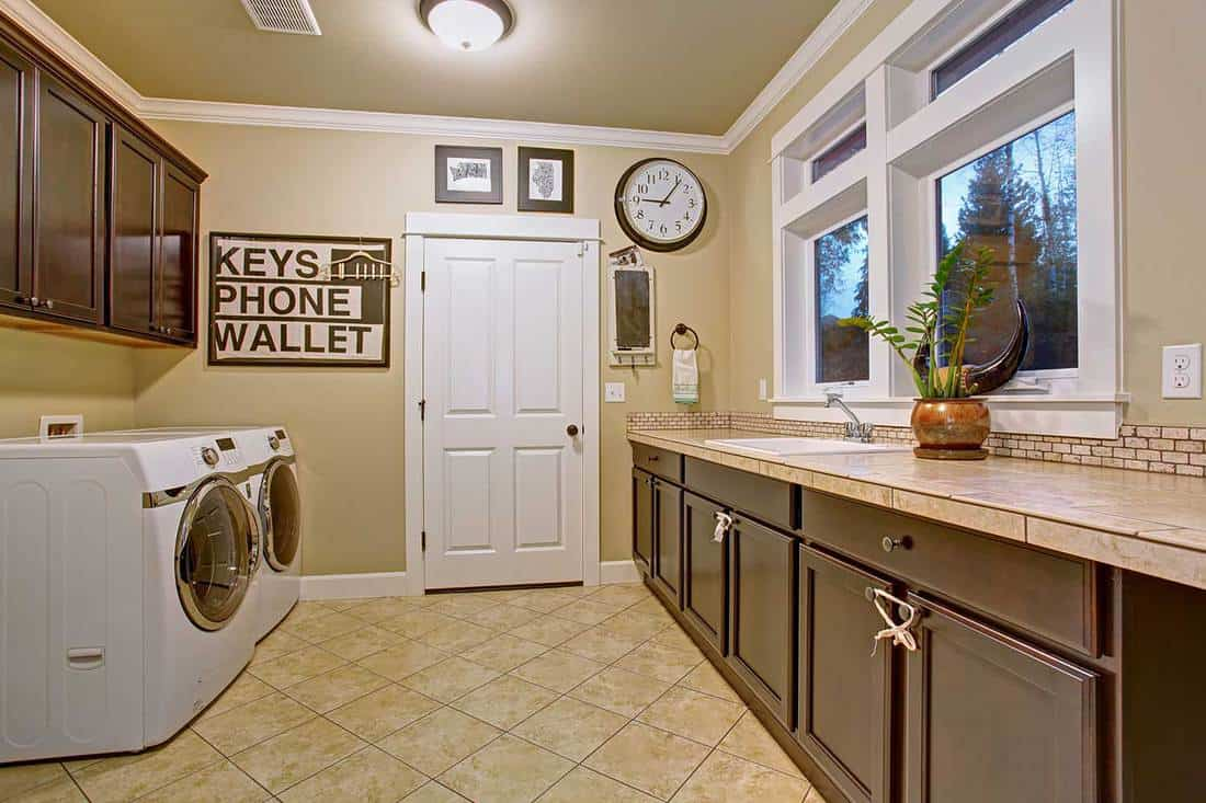 Nice laundry room with tile floor