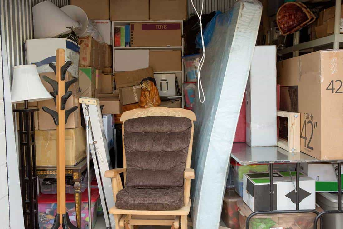 Storage unit containing household items