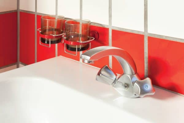 Read more about the article 8 Of The Best Ceramic Sink Cleaners