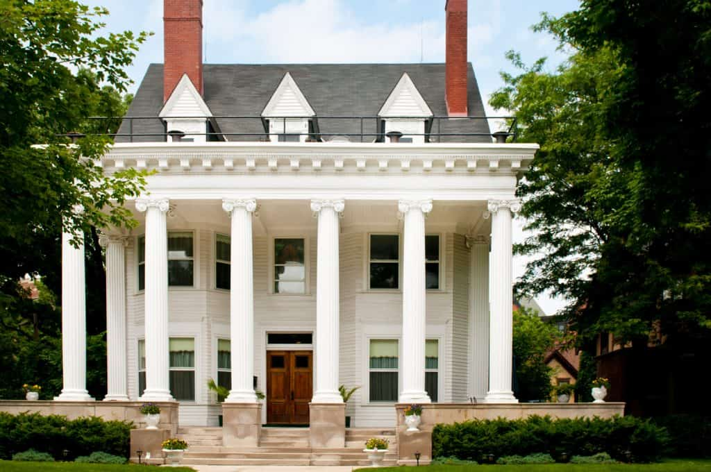 A classic colonial home in an upscale urban neighborhood in St. Paul, Minnesota.