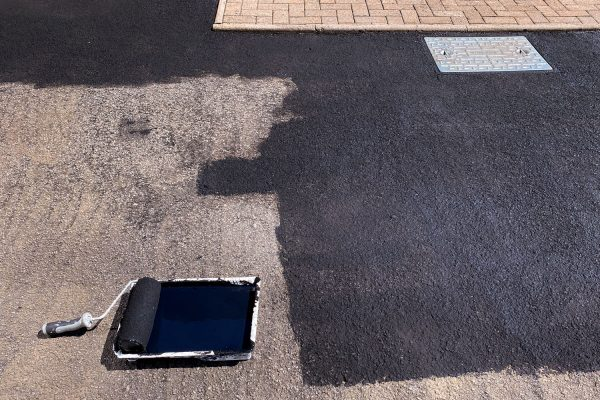 Read more about the article Should A Driveway Be Dry Before Sealing It? [And How Long To Wait!]