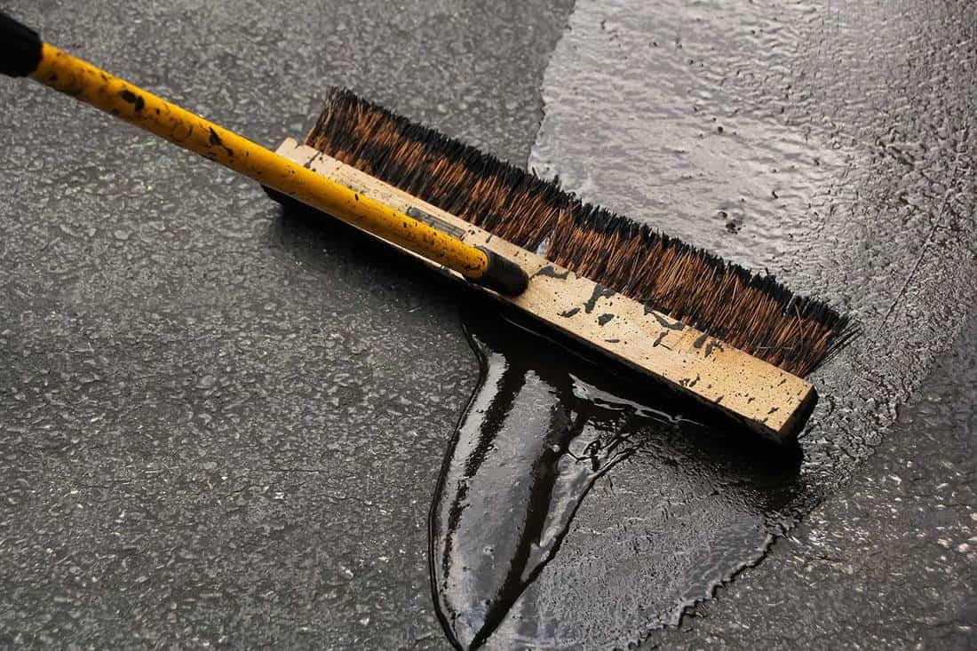 Asphalt driveway sealing blacktop paving