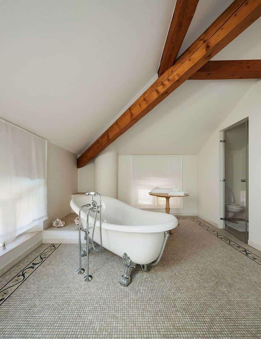 Classic bathroom with white tub