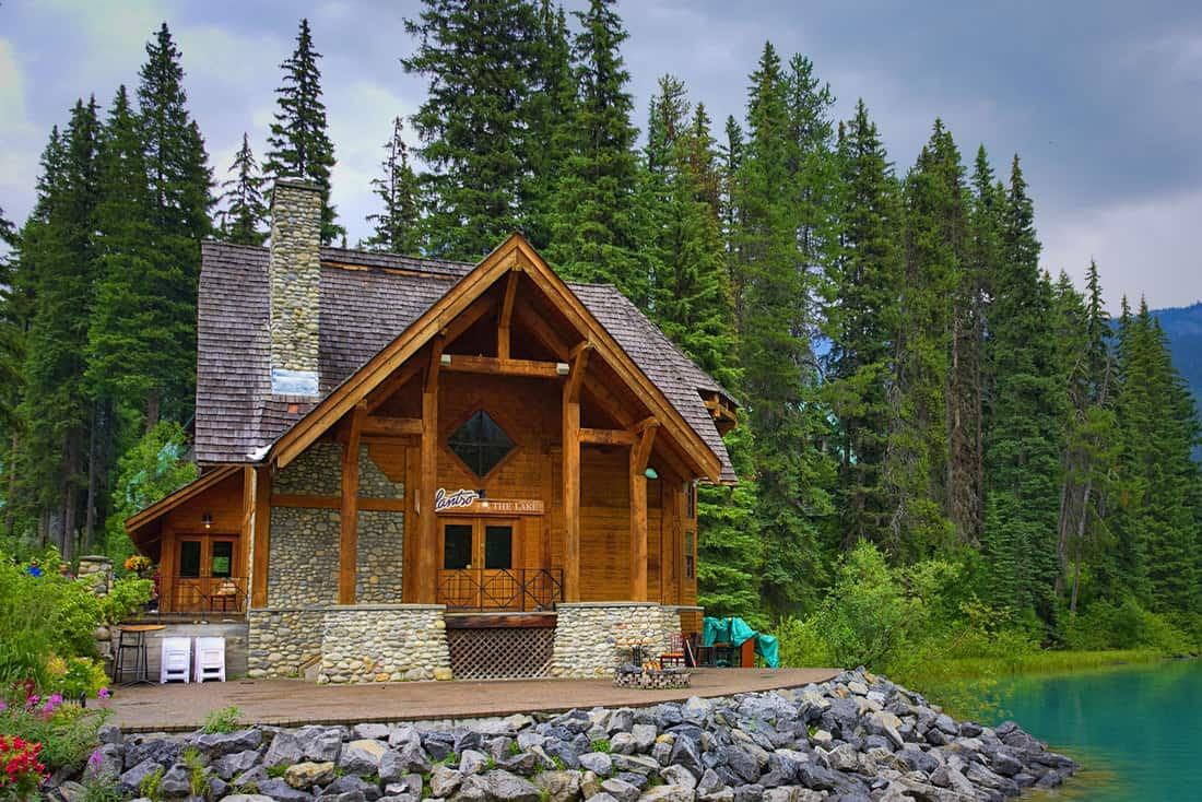 Emerald Lake on a cloudy day with its thawed lake, 15 Porch Post Style Ideas To Check Out