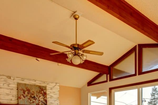 Read more about the article 7 Best Ceiling Fans For Vaulted Ceilings