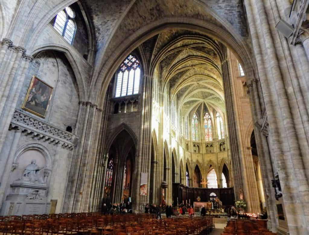 Interior de la Catedral de San Andrés de Burdeos, Burdeos, Aquitania, Francia