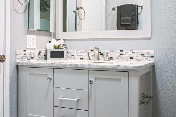 Does A Bathroom Vanity Need A Backsplash?