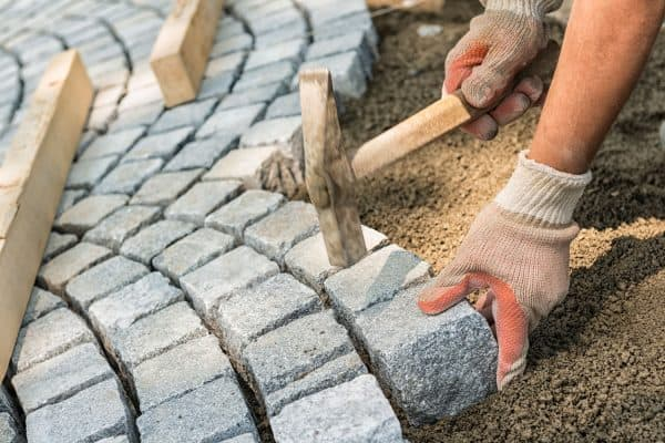 Read more about the article How To Seal Pavers With Sand [6 Easy Steps To Follow!]