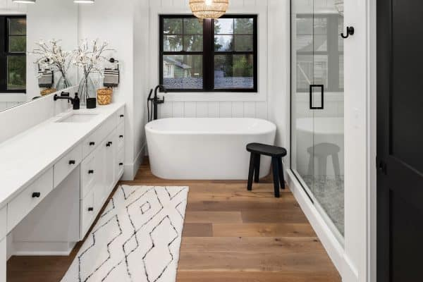 7 Tips To Keeping A Bathroom Floor Dry After Showering