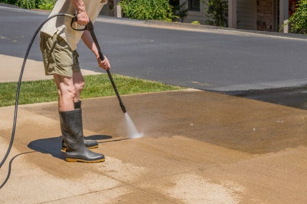 Read more about the article 9 Of The Best Pressure Washers For A Driveway