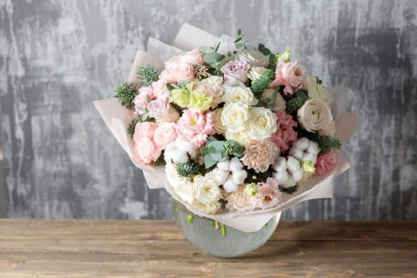 Read more about the article 11 Beautiful Mother's Day Flower Arrangement Ideas