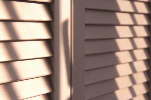 How To Clean A Louvered Door [3 Effective Methods]