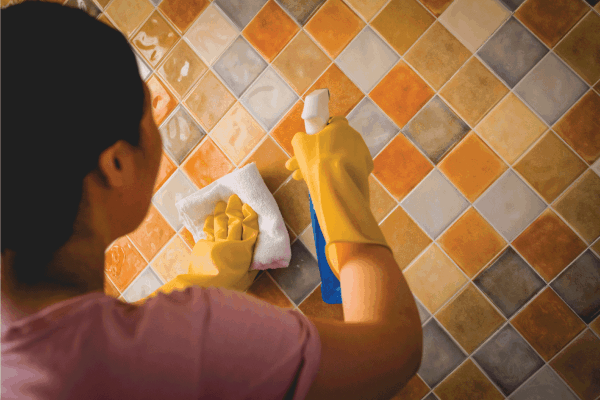 Read more about the article Why Is My Bathroom Grout Turning Yellow Or Orange?