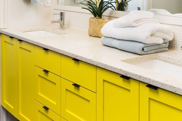 Read more about the article 15 Awesome Bathroom Cabinets Color Ideas