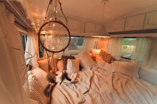 Read more about the article 11 Awesome RV Bedroom Ideas
