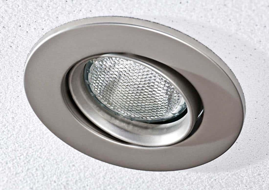 Pot light in ceiling tile