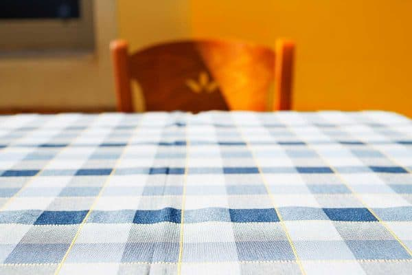 Read more about the article Are Tablecloths Out Of Style?