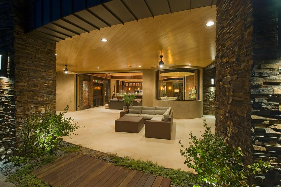 View of modern living room with outdoor recessed lighting, 11 Outdoor Recessed Lighting Ideas To Inspire You