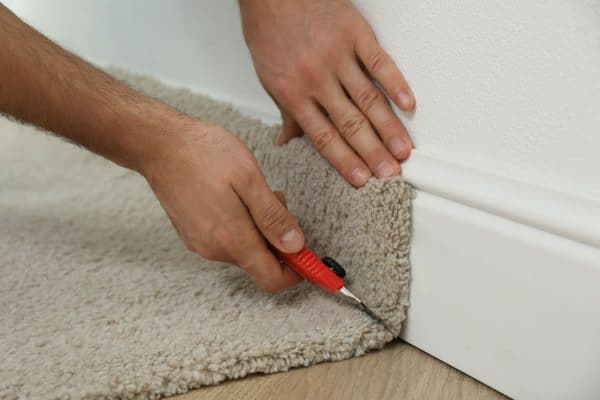 Read more about the article 10 Of The Best Tools For Cutting Carpet