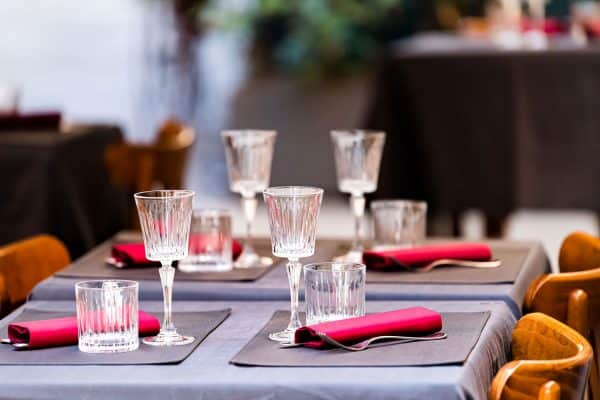 Read more about the article Should You Use Placemats With A Tablecloth?