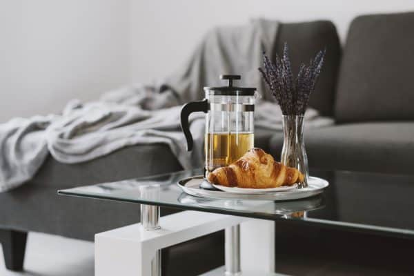 Read more about the article How To Style And Decorate A Glass Coffee Table